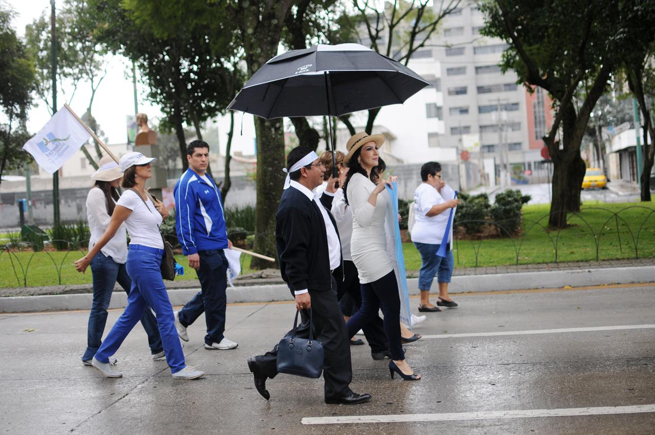 Zury Rios durante la marcha.