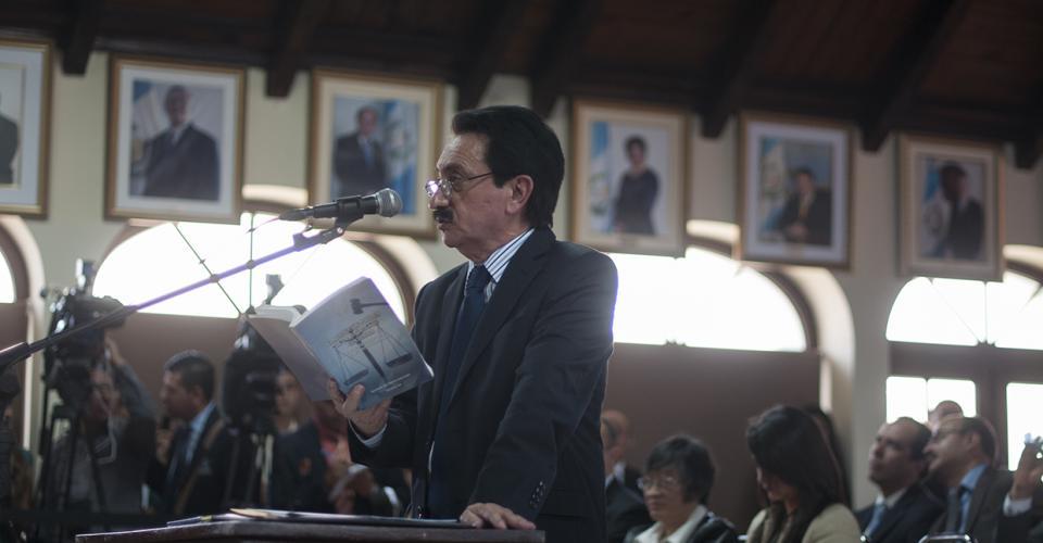Mario David García argumentó a favor de los magistrados electos y del proceso. Foto: Sandra Sebastián