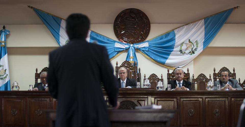 Los magistrados de la Corte de Constitucionalidad escucharon a las partes. Foto: Sandra Sebastián