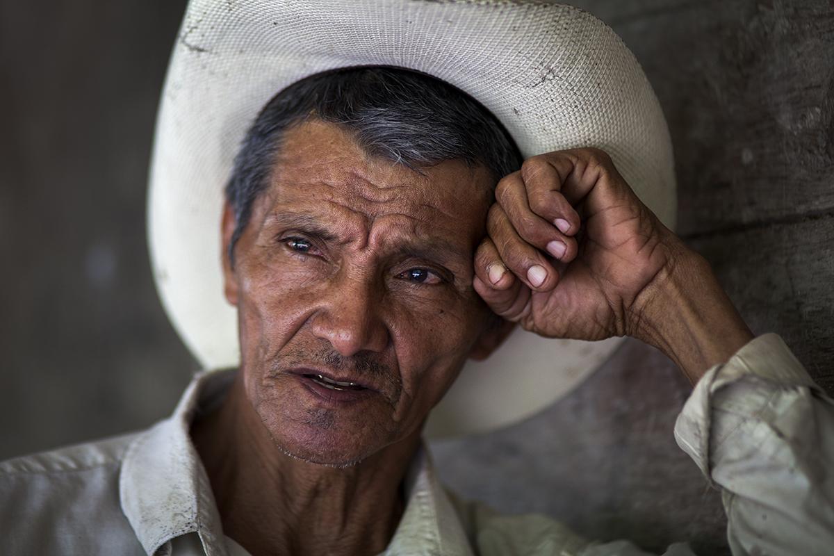 Carlos Roberto Castillo, padre de Wilson Wosveli, dice que no volvería a entregar el destino de su hijo en manos del coyote.